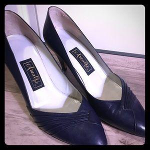 Amalfi Navy blue closed, pointed toe heels!